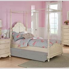 Dreamy White Finish Full Girls Poster Canopy Bed Bedroom