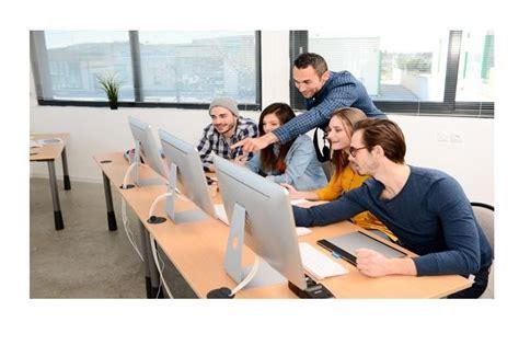 Pôle emploi est un espace permettant aux demandeurs d'emploi de : Pôle emploi organise une semaine dédiée aux métiers ...