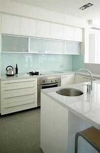 Küchen Wandpaneel Glas : k chenr ckwand aus glas der moderne fliesenspiegel sieht so aus einrichtung k chenr ckwand ~ Frokenaadalensverden.com Haus und Dekorationen