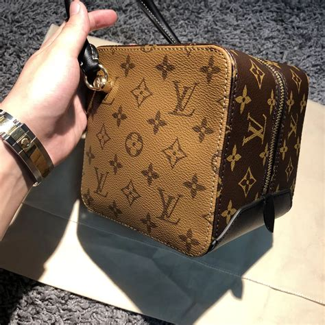 louis vuitton monogram reverse canvas square bag