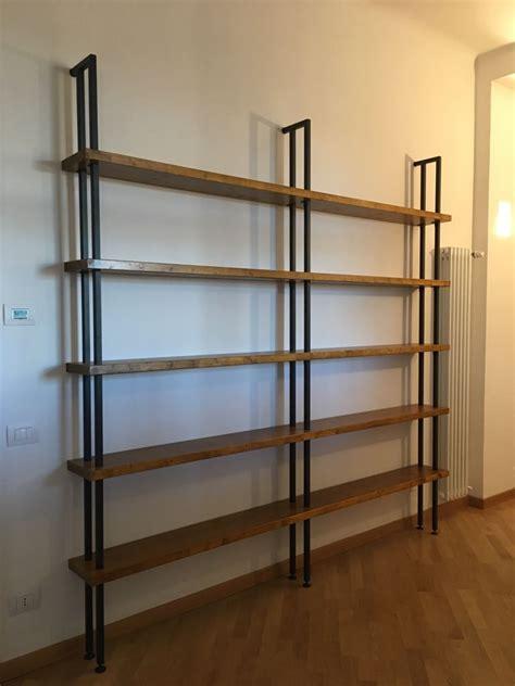 libreria legno grezzo arredamento industrial librerie e tavoli ferro e legno