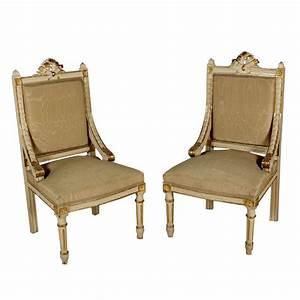 Coppia di poltrone in stile sedie poltrone divani for Poltrone in stile