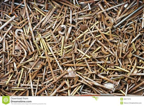 nails rusty tool