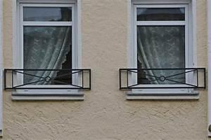 zwei hubsche franzosische balkone balcony fences With französischer balkon mit sonnenschirm cad