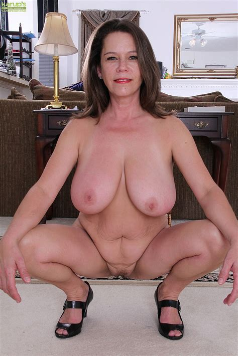 Jane Russell Strip And Flick Her Mound Milf Fox