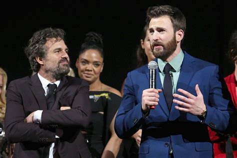 Mark Ruffalo Reacts to 'Avengers' Co-Star Chris Evans ...