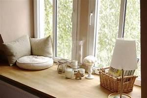Fensterbank Dekorieren Wohnzimmer : breite fensterbank zum sitzen und rausgucken im wohnzimmer realisierbar zuk nftige ~ Markanthonyermac.com Haus und Dekorationen