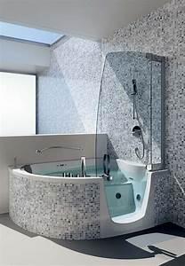 Eckbadewanne Mit Dusche : badewanne mit duschzone tolle beispiele ~ Markanthonyermac.com Haus und Dekorationen