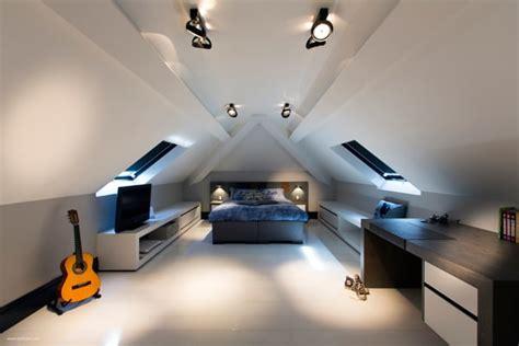 armoire pour chambre chambre mansardée 39 idées pour aménager cet espace