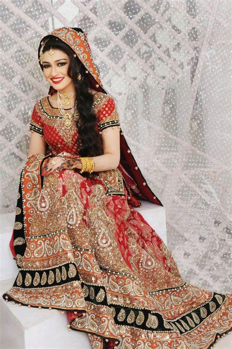 pakistani bridal makeup lehnga choli  accessories