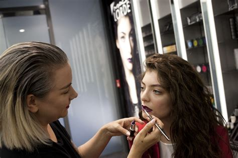 school for makeup artist image gallery mac cosmetics makeup courses