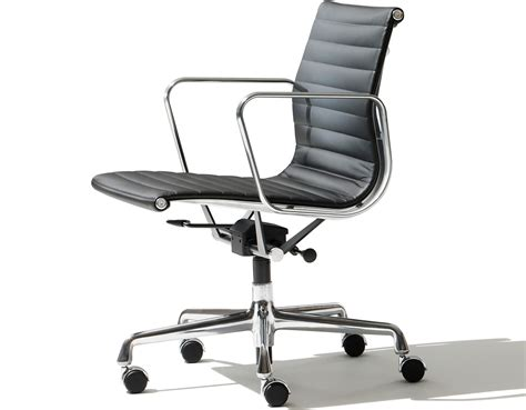 eames 174 aluminum management chair hivemodern