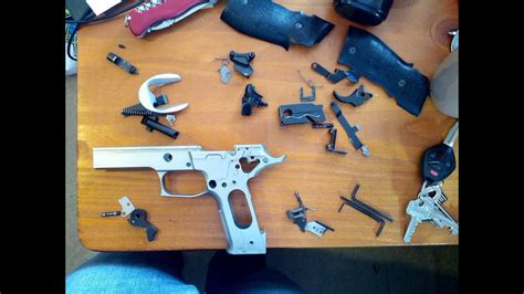 How To 100 Disassemble Sig Sauer P226 Youtube