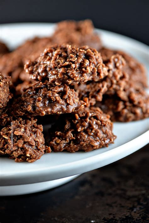 chocolate  bake cookies recipe add  pinch