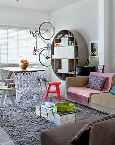 Cheerful and interesting interior on a budget decoholic for Interior decorator on a budget