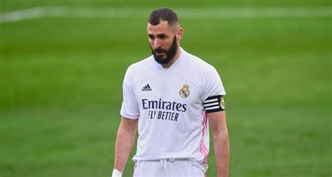 Benzema to the rescue again as Real Madrid edge past Elche