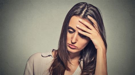 green light for migraines green light could help migraines study shows