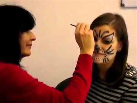 katze schminken fasching schminken zu karneval so wird zur katze