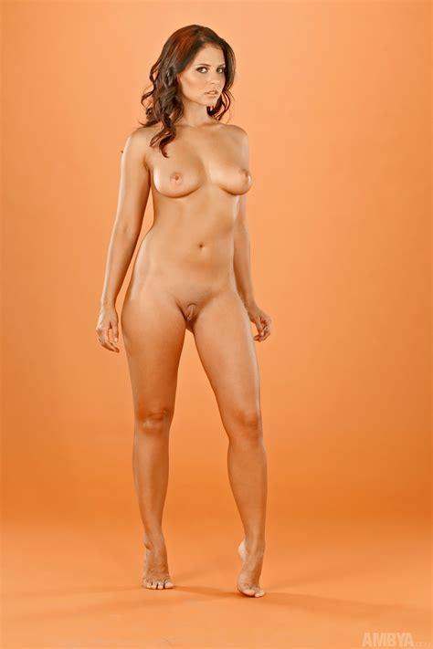 Vu Emmie Model Topless Image 4 Fap