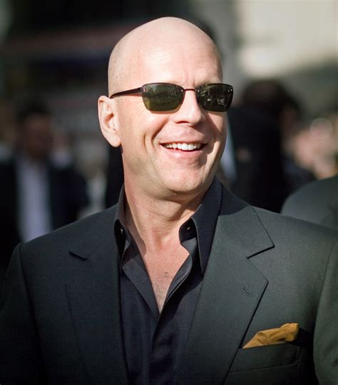 Celebrity Hq Wallpapers Bruce Willis To Become A Father