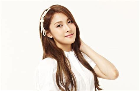 info korea daftar artis cewek  cantik  korea
