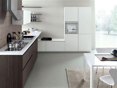cuisine ikea abstrakt blanc laque pour les petites cuisines équipez vous malin et