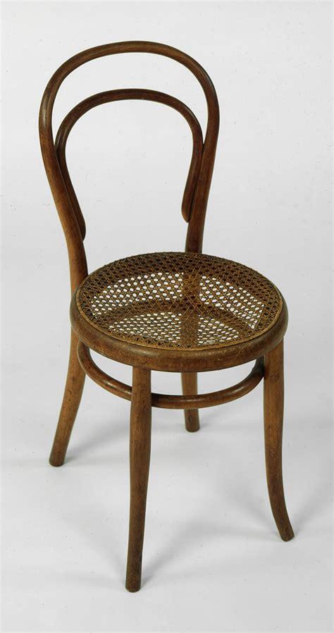 chaise thonet 14 la chaise de bistrot thonet 14 terre meuble