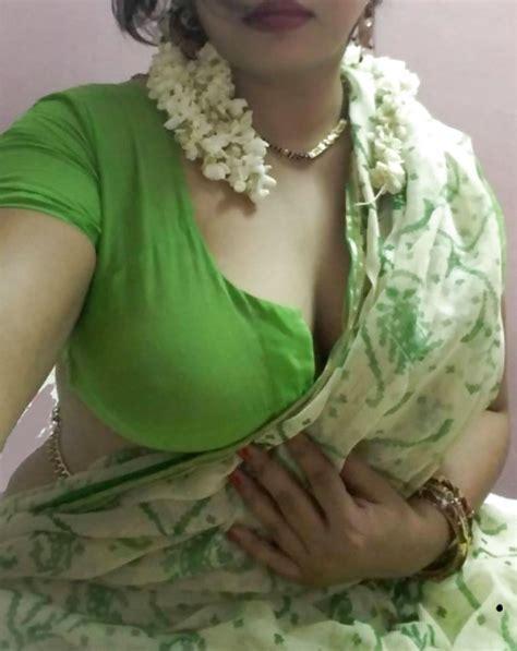 saree bhabhi deep cleavage navel xxx porn photo album