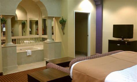 hotel in seattle with tub in room suite vista inn suites warner robins ga