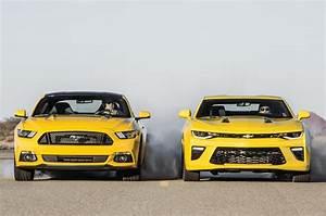 Ford Gt 2016 : 2016 chevrolet camaro ss vs 2016 ford mustang gt head 2 ~ Voncanada.com Idées de Décoration