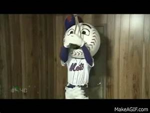 Mr. Met's Failed Suicide Attempts on Make a GIF