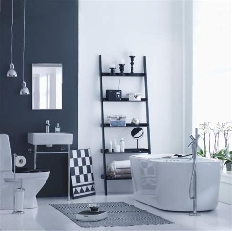 peinture salle de bains pour agrandir lespace restreint