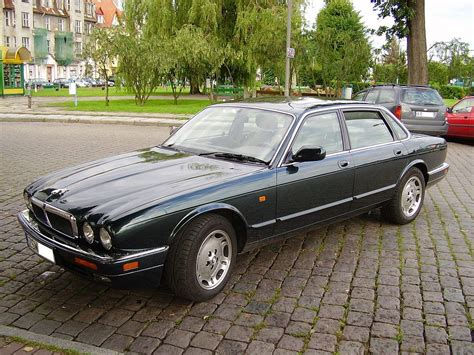 Jaguar XJ (X300) – Wikipedie