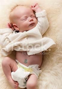 Wochen Berechnen Baby : neugeborenes baby 3 wochen alt stockfotos ~ Themetempest.com Abrechnung