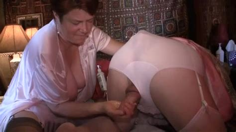 Mature Handjob For An Funny Crossdresser Amateur Porn At