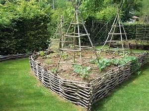 un jardin potager en pente With amenagement petit jardin avec terrasse 2 petit jardin et ses fruits jardin potager jardineries