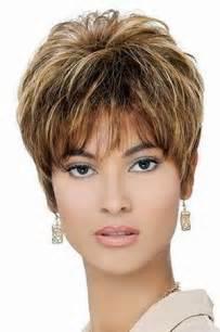 coupe de cheveux courte femme visage ovale coiffure femme 50 ans visage ovale