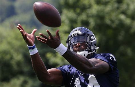 seahawks minicamp impressions russell wilson continues
