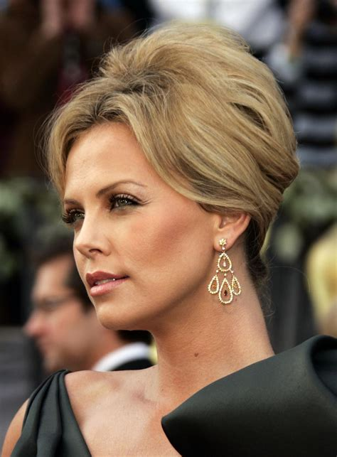 life hartz charlize theron  hairstyle