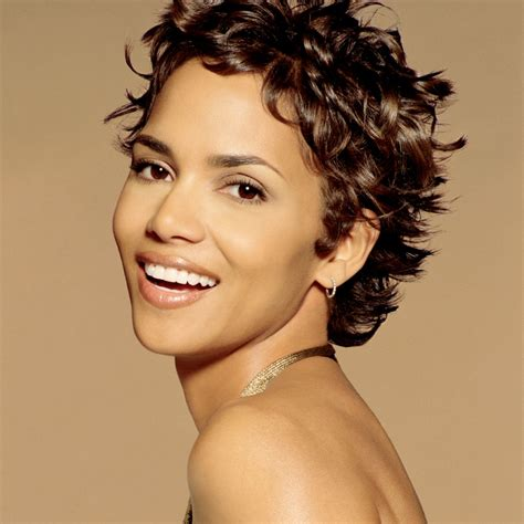 amazing halle berry hairstyles over the years hairstylo
