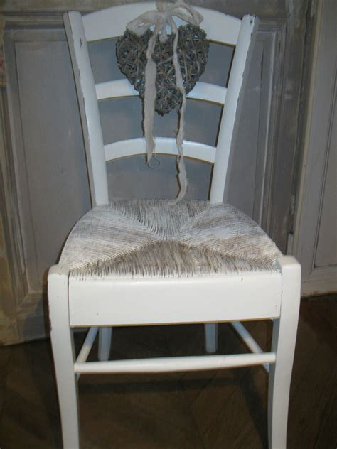relooker une chaise relooker chaise en paille ralisez par mes clientes avec
