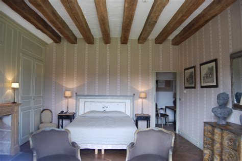 chambre avec poutres apparentes chambre chateau des arpentis