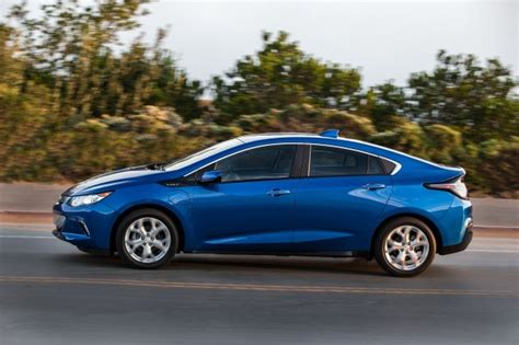 2018 Chevrolet Volt Plug-in Hybrid Carries Over With Few
