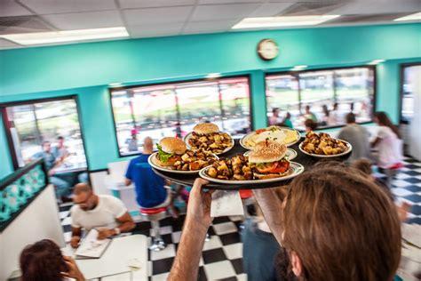 restaurants baton rouge cajun creole cuisine local limit
