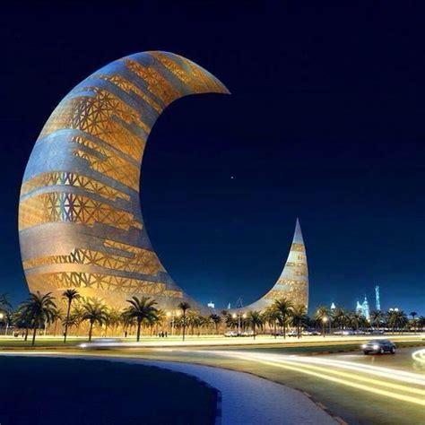 Crescent Moon Tower Dubai Architects Construction