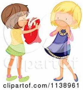 girl putting on clothes clipart girl - Clipground