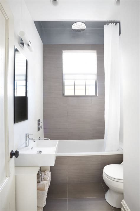 Bathtubs For Small Bathrooms Bathroom Traditional With