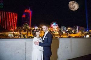 Bellagio las vegas elopement wedding photographs fun for Las vegas wedding online