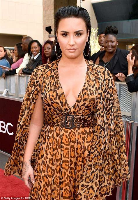 Billboard Awards: Demi Lovato stuns in plunging leopard ...
