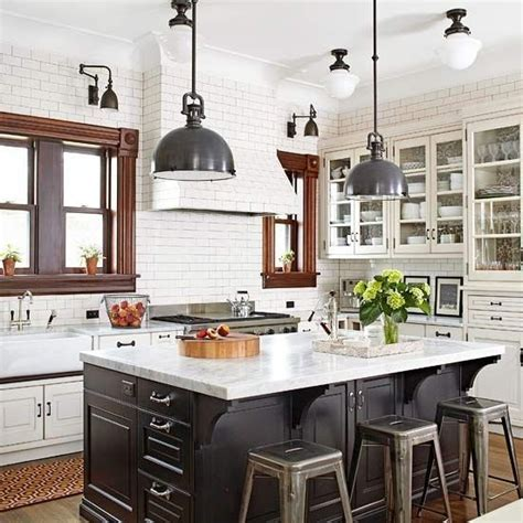 Design Trends: Add Height with Counter to Ceiling